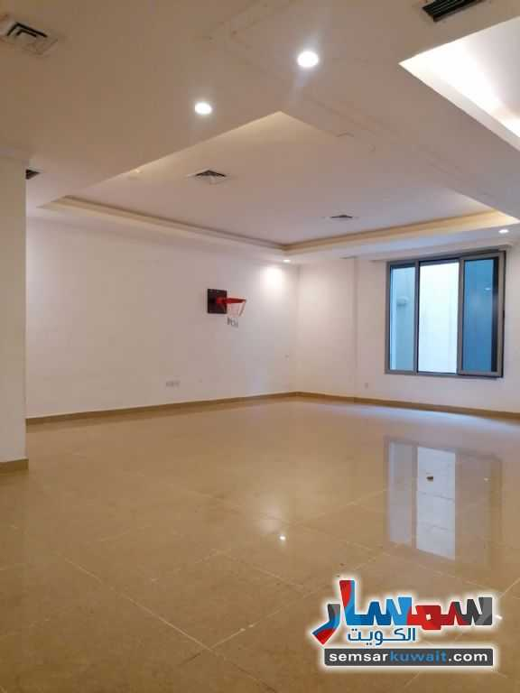 Ad Photo: Apartment 4 bedrooms 6 baths 200 sqm super lux in Mubarak Al Abdullah West Mishref  Hawalli