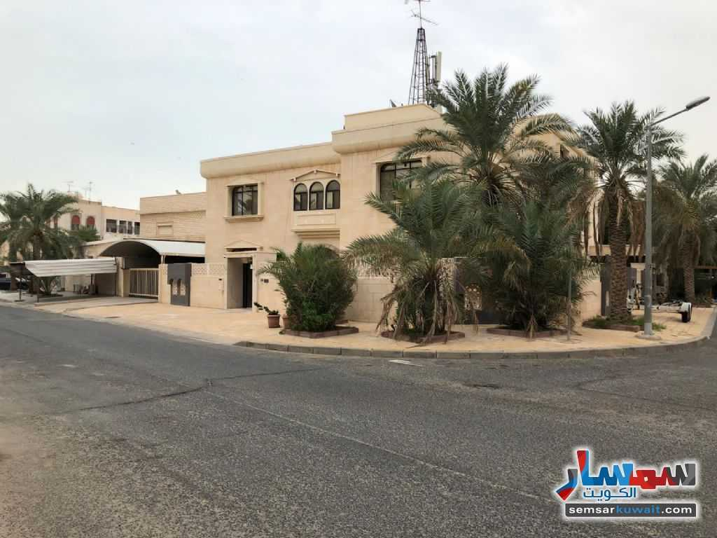 Ad Photo: Building 10 bedrooms 8 baths 1000 sqm semi finished in Salwa  Hawalli