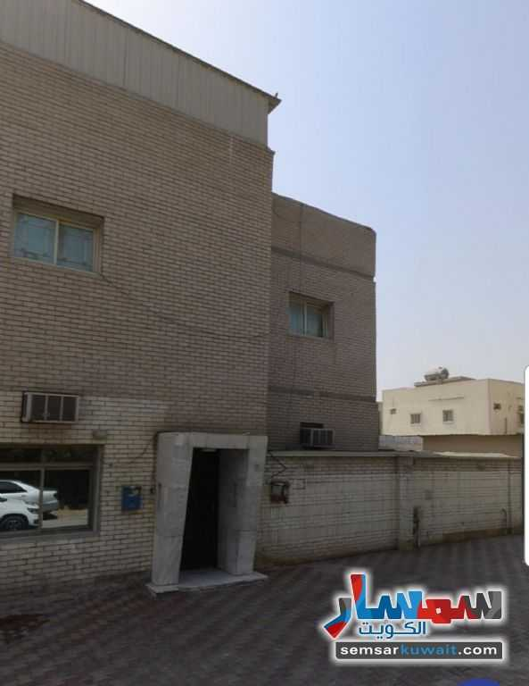 Ad Photo: Villa 1 bedroom 1 bath 590 sqm semi finished in Fahaheel  Al Ahmadi