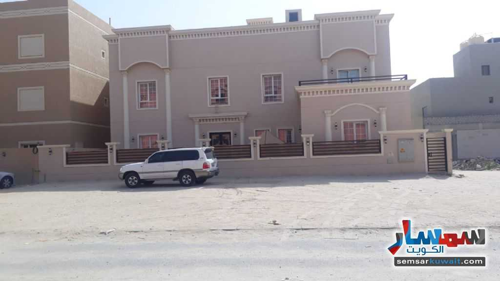 Ad Photo: Villa 10 bedrooms 6 baths 600 sqm super lux in Sabah Al Ahmad Residential  Al Ahmadi