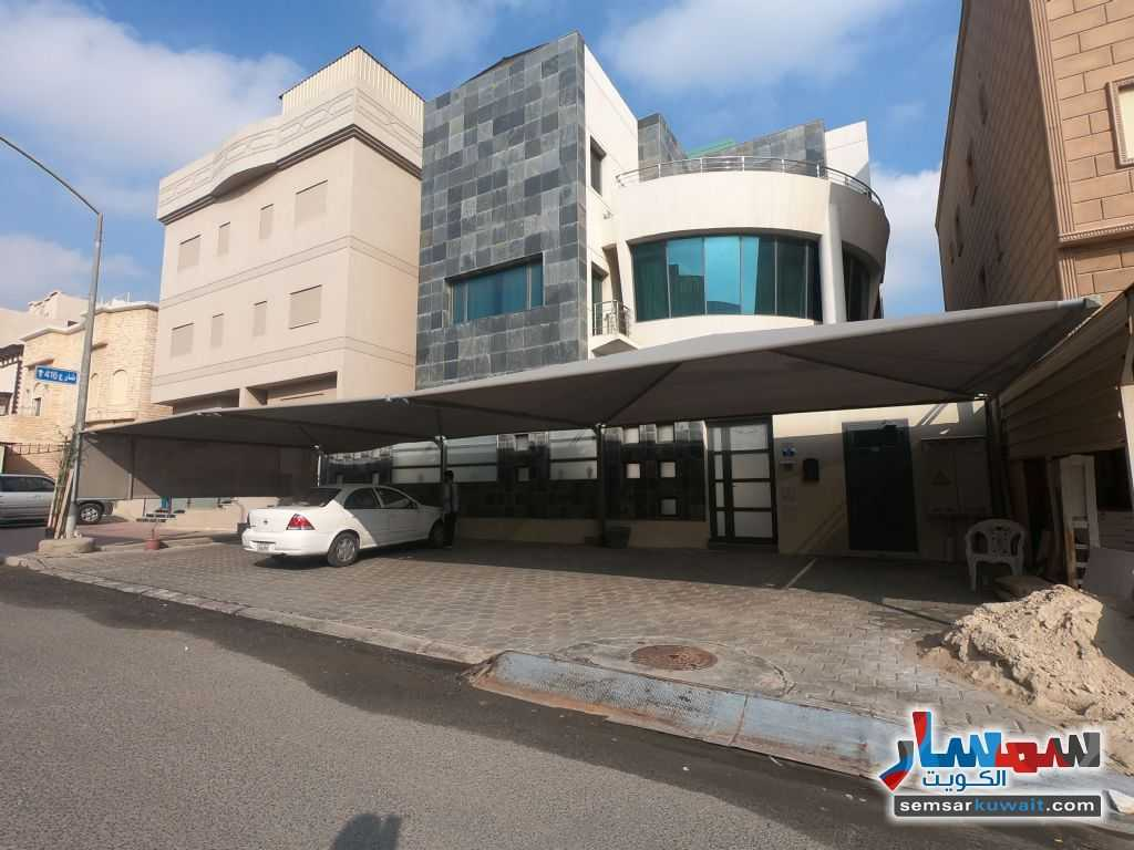 Ad Photo: Villa 10 bedrooms 8 baths 400 sqm extra super lux in Fahad Al Ahmed  Al Ahmadi
