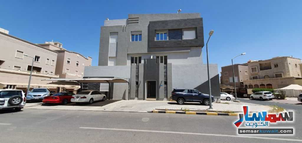 Ad Photo: Villa 1 bedroom 1 bath 400 sqm super lux in Qeirawan  Al Farwaniyah