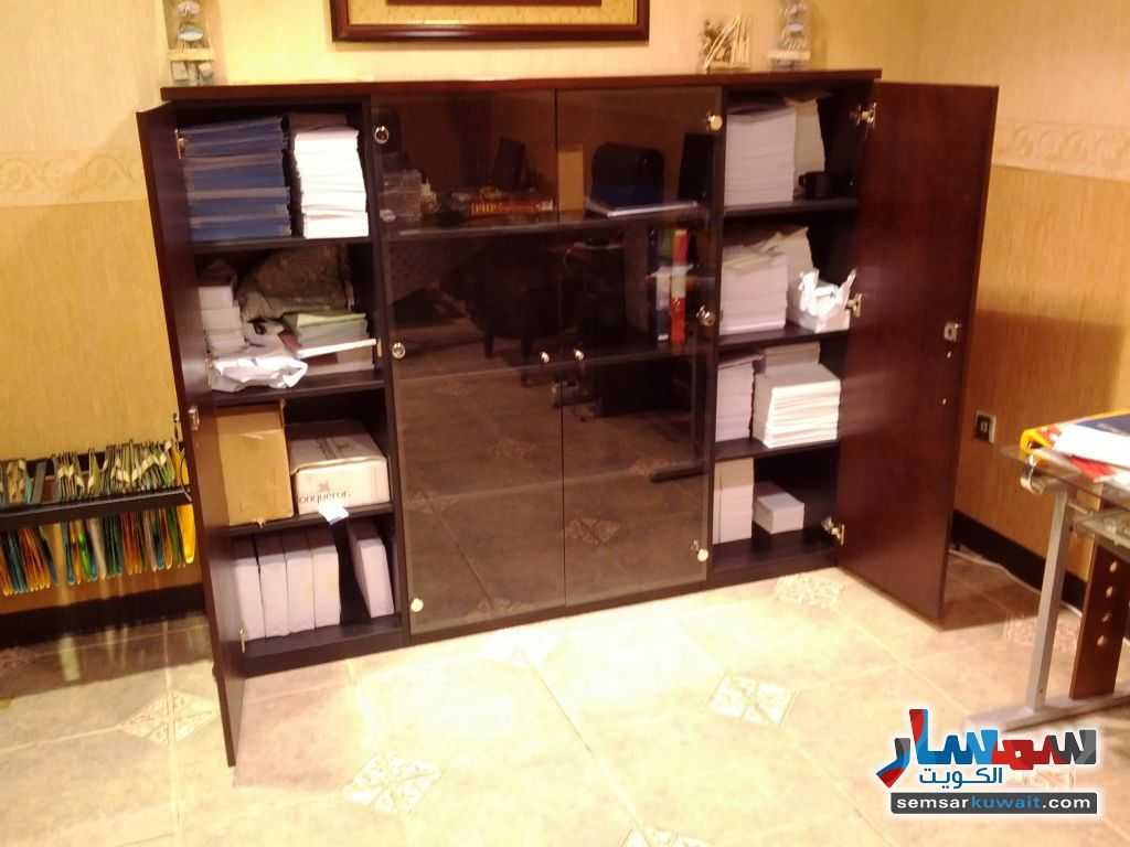Photo 11 - Commercial 21 sqm For Sale Sharq Al Kuwayt