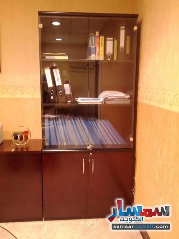Photo 2 - Commercial 21 sqm For Sale Sharq Al Kuwayt