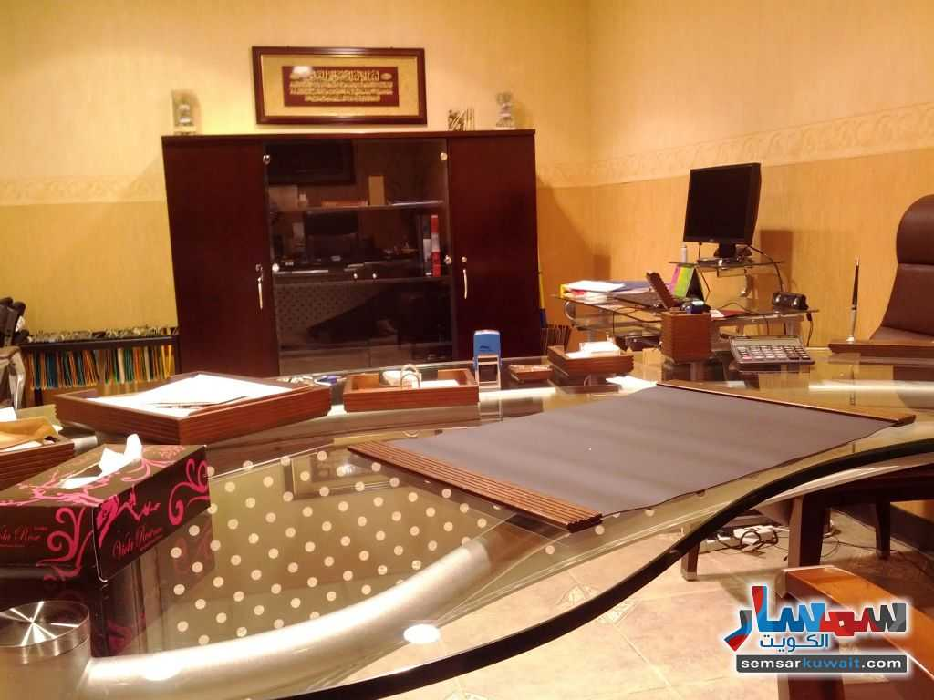 Photo 14 - Commercial 21 sqm For Sale Sharq Al Kuwayt