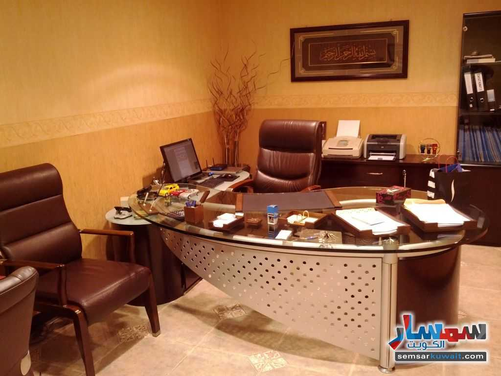 Photo 15 - Commercial 21 sqm For Sale Sharq Al Kuwayt