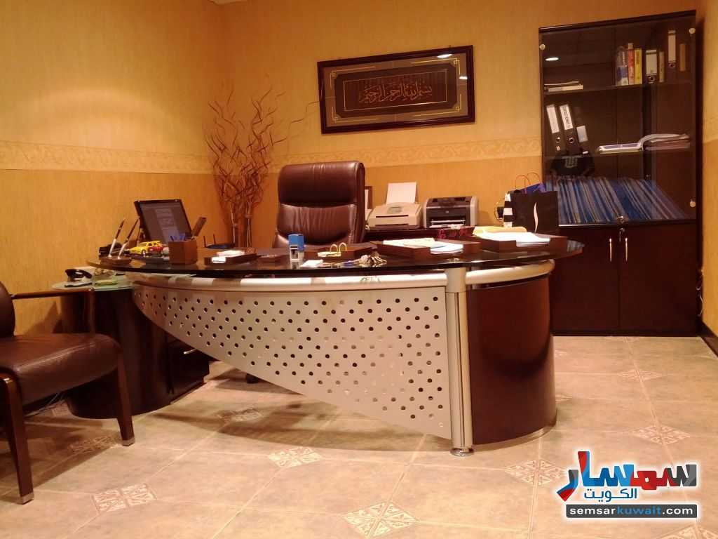 Photo 16 - Commercial 21 sqm For Sale Sharq Al Kuwayt