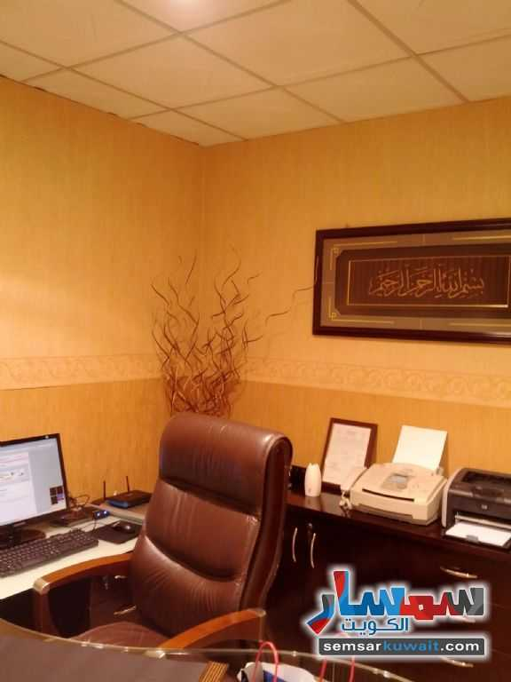 Photo 19 - Commercial 21 sqm For Sale Sharq Al Kuwayt