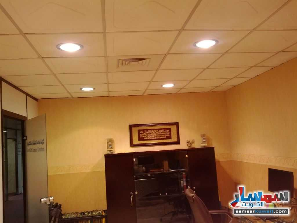 Photo 20 - Commercial 21 sqm For Sale Sharq Al Kuwayt