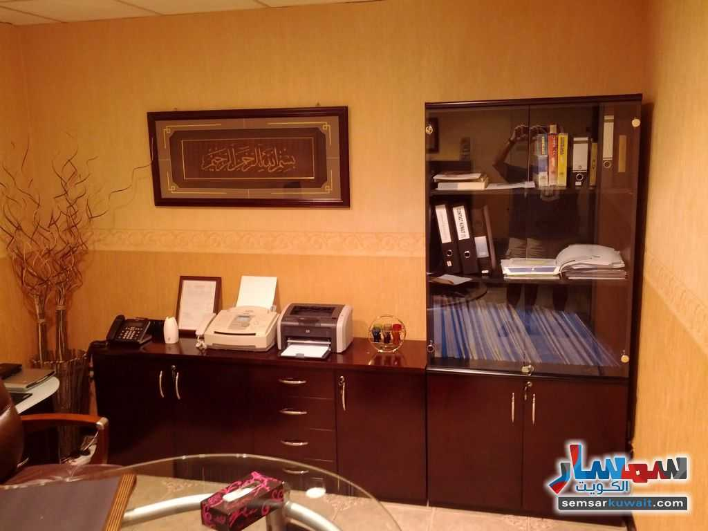 Photo 3 - Commercial 21 sqm For Sale Sharq Al Kuwayt