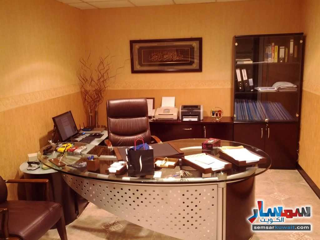 Photo 1 - Commercial 21 sqm For Sale Sharq Al Kuwayt