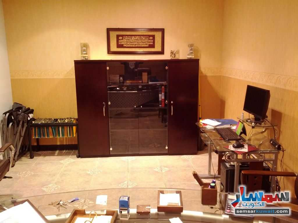 Photo 8 - Commercial 21 sqm For Sale Sharq Al Kuwayt